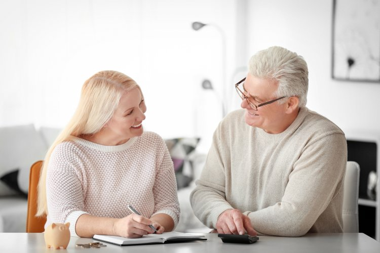 Стал известен уровень дохода для благополучной жизни на пенсии