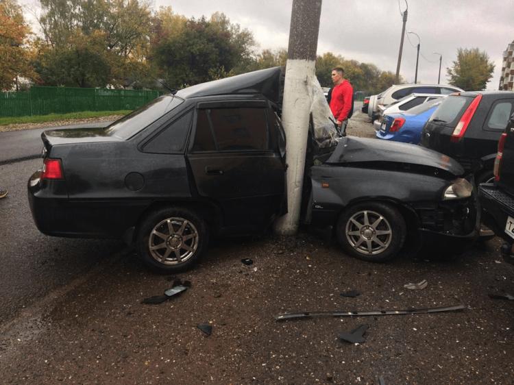 Жёсткое ДТП: В Башкирии автомобиль «намотало» на столб