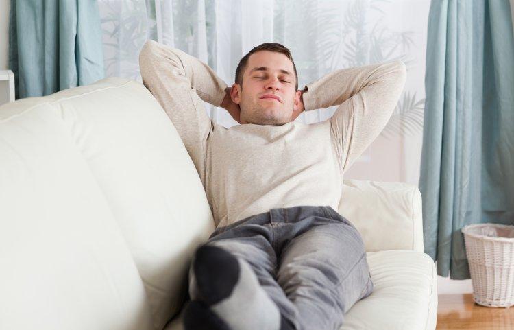 Ученые выяснили, как влияют на организм всего две недели «на диване»