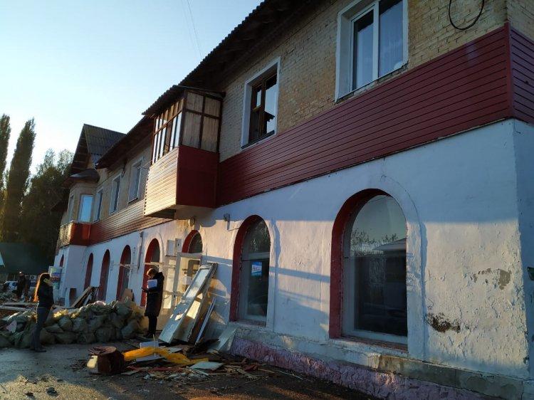 В Стерлитамаке в жилом доме при уборке строительного мусора рухнул потолок