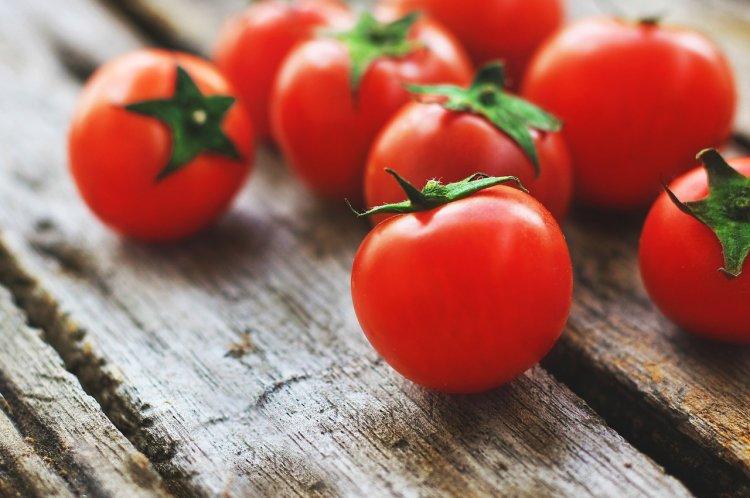 Врачи порекомендовали не налегать на помидоры