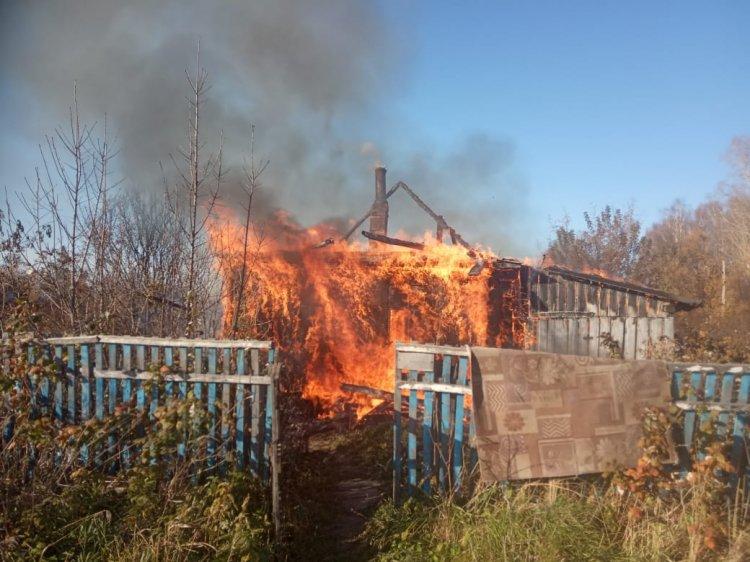 В Башкирии при пожаре погибли 3 человека, СКР опрашивает очевидцев