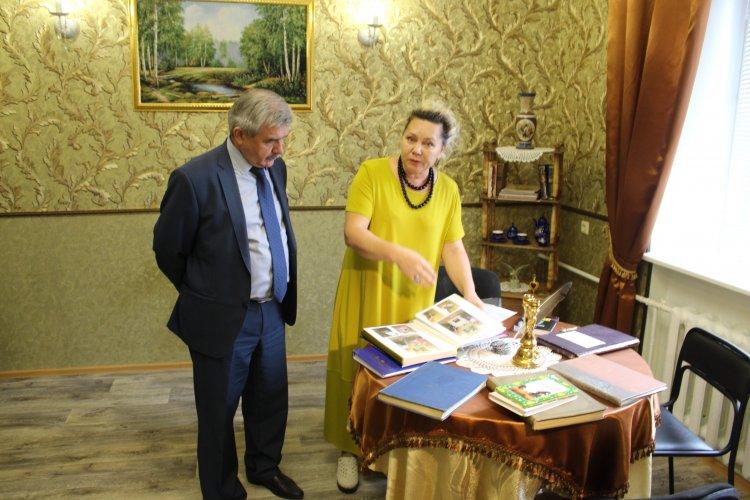 Михаил Закомалдин в Уфе ознакомился с работой социального приюта для детей и подростков