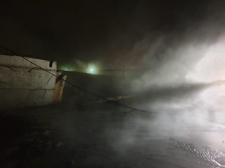 В Башкирии на «ПОЛИЭФе» прорвало резервуар со стоками