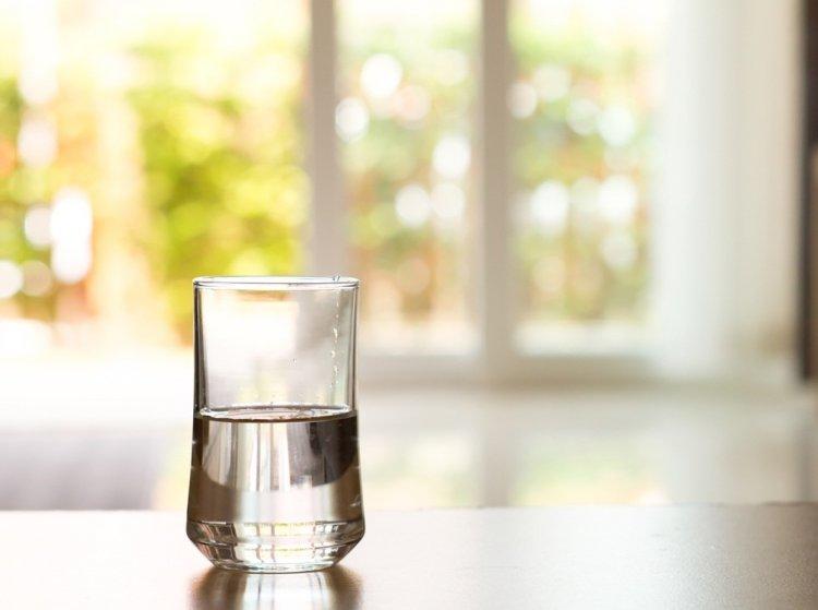 «Похудение для ленивых»: от лишнего веса избавит вода