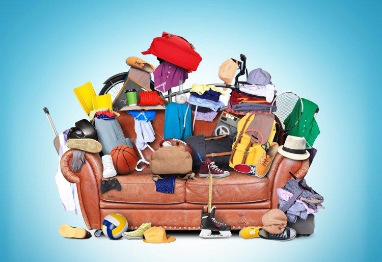 Чем опасны старые вещи в доме и как от них лучше избавляться