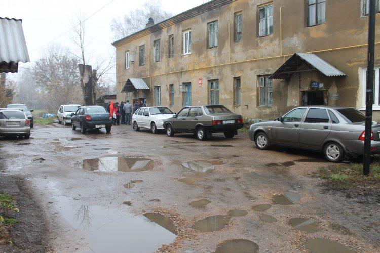 Активисты ОНФ призвали власти Калининского района Уфы создать нормальные условия для жителей аварийных домов