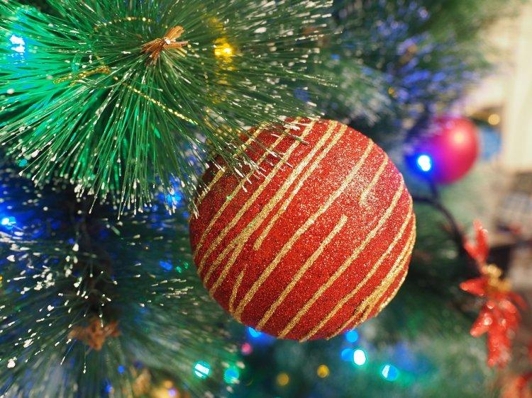 Как с помощью елочной игрушки привлечь удачу в Новом году