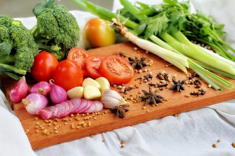 Врачи назвали 6 продуктов, которые расширяют сосуды и снижают давление