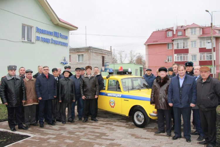 В полиции Стерлитамака состоялось торжественное открытие постамента служебной машине