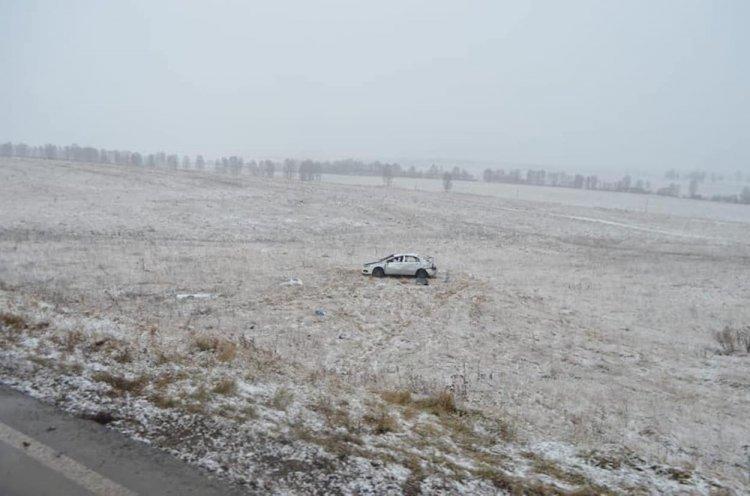 В Башкирии автомобиль опрокинулся в кювет: есть жертвы
