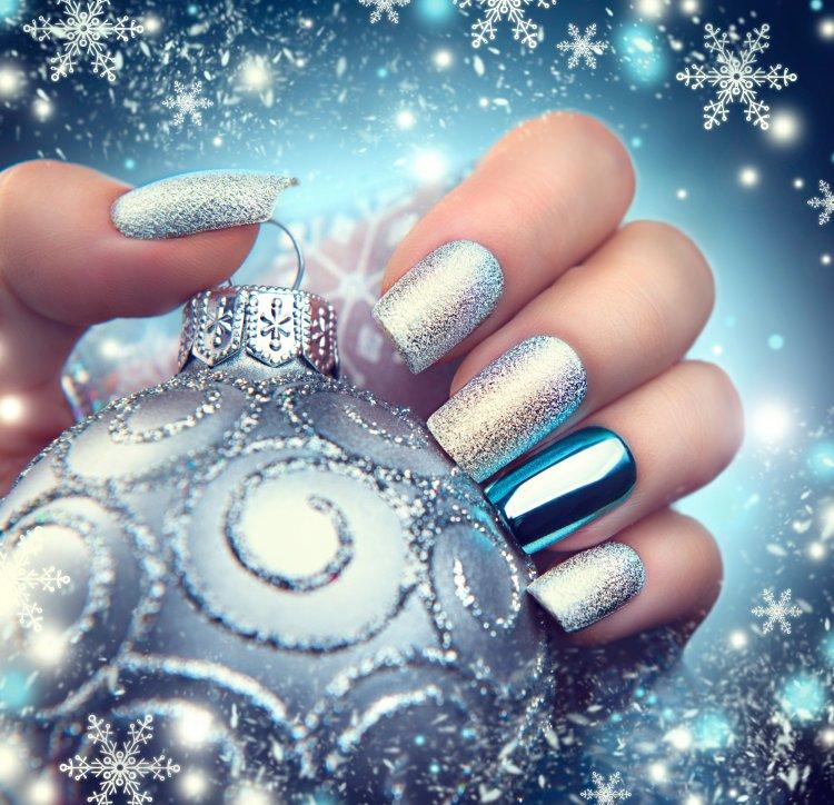 Новогодний маникюр: идеи праздничного дизайна ногтей