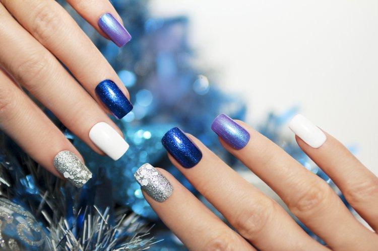 Маникюр на Новый год: как самостоятельно накрасить ногти на корпоратив