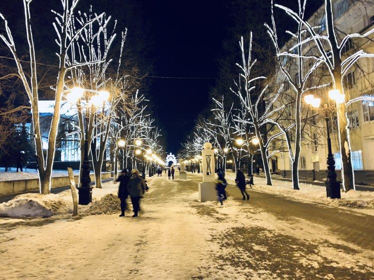 В Кировском районе Уфы горожан радует праздничная иллюминация
