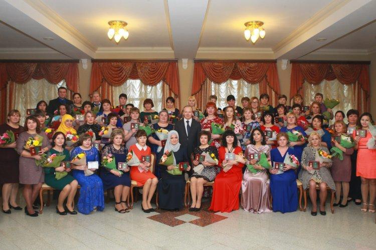В Башкирии вручили госнаграды «Материнская слава» и «Родительская доблесть»