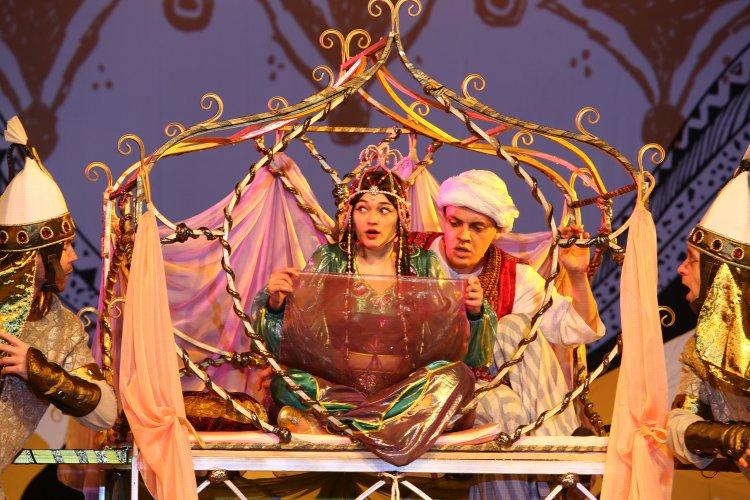 В Стерлитамаке состоялась премьера новогодней сказки «Аладдин»