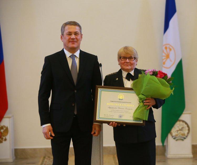 Радий Хабиров вручил госнаграды лучшим судебным приставам Башкирии