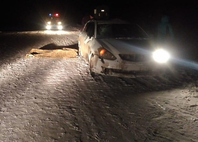 В Башкирии автомобиль сбил на трассе двух пенсионерок, одна из них погибла