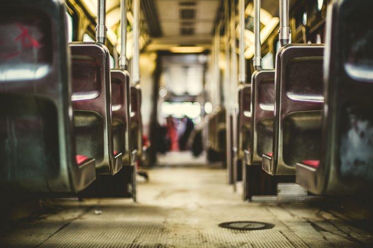 С 1 июля на всех автобусах должны быть установлены терминалы для безналичной оплаты проезда