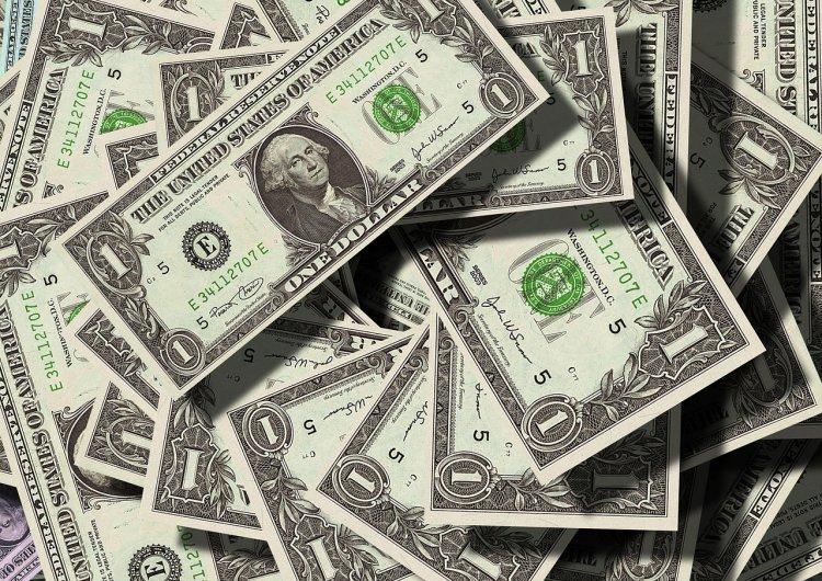 В России стало сложнее вывезти деньги за границу