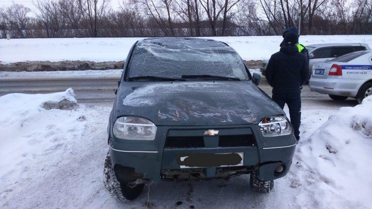 ДТП в Уфе: водитель за рулем «Шевроле Нива» не справился с управлением
