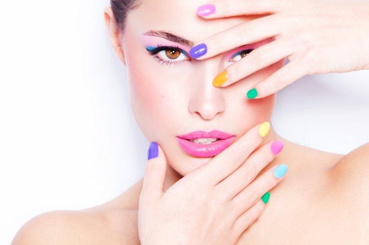 4 популярные идеи для модного весеннего дизайна ногтей к 8 марту