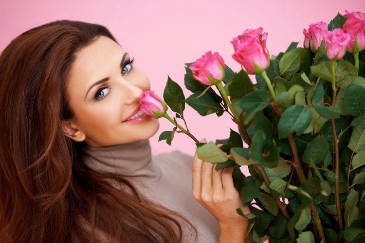 Букет на 8 марта: Какие цветы выбрать на праздник