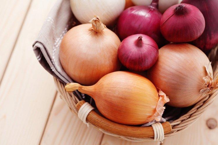 Почему медики советуют есть лук?