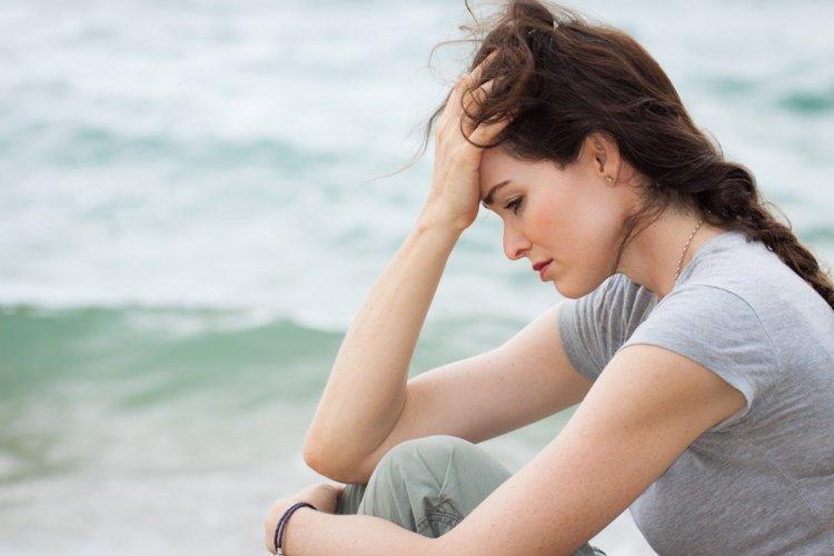 Почему женщины страдают от боли чаще мужчин?