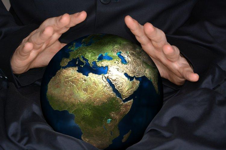 «Большая чума в приморском городе не прекратится»: Жуткое предсказание Нострадамуса сбывается