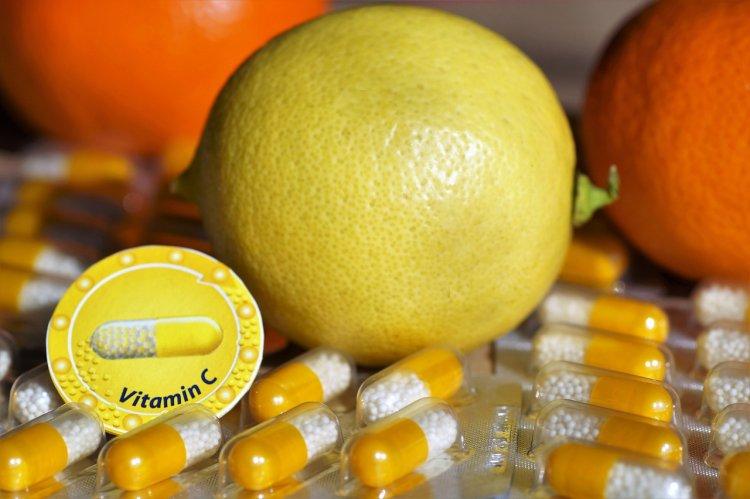 Витамин С не поможет справиться с коронавирусом