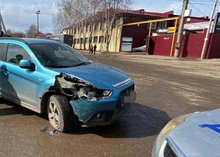 Пьяный водитель Mitsubishi ASX врезался в фуру в Уфе
