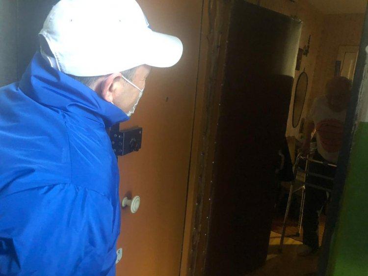 В Уфе волонтеры проекта «Наша забота» доставили продуктовые наборы пожилым людям
