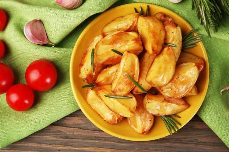 Картофель по-деревенски: получится вкуснее, чем в известных ресторанах и фаст-фудах