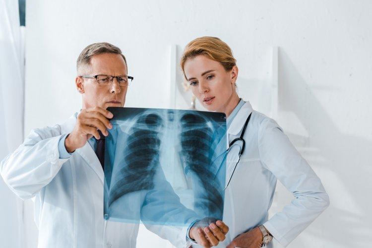 У бессимптомно переболевших COVID-19 обнаружили поражения легких