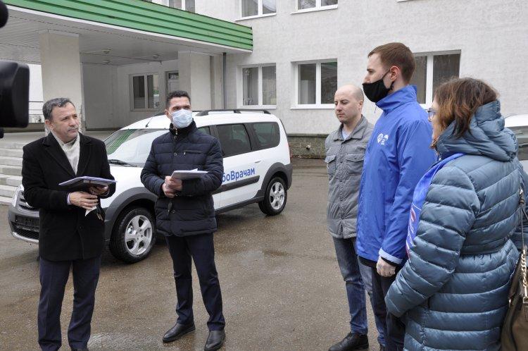 В Уфе медики получили в пользование новые автомобили «Лада»