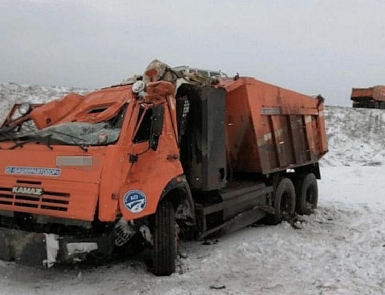 ДТП в Башкирии: в Кугарчинском районе опрокинулся КамАЗ