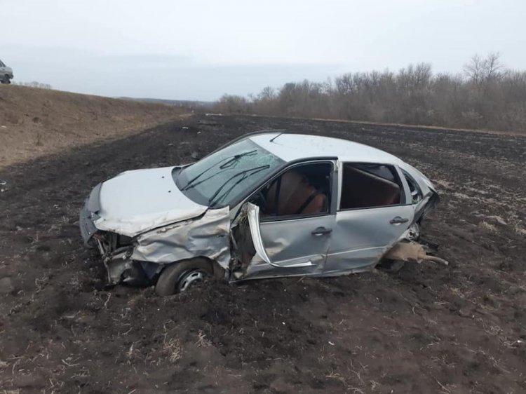 В Башкирии «Лада Гранта» вылетела в кювет: три человека пострадали