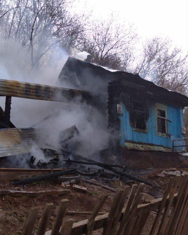 Жительница Башкирии спасла от пожара четверых детей и бабушку, вытащив их через окно