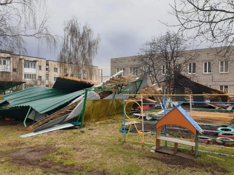 В Башкирии из-за сильного ветра снесло несколько крыш