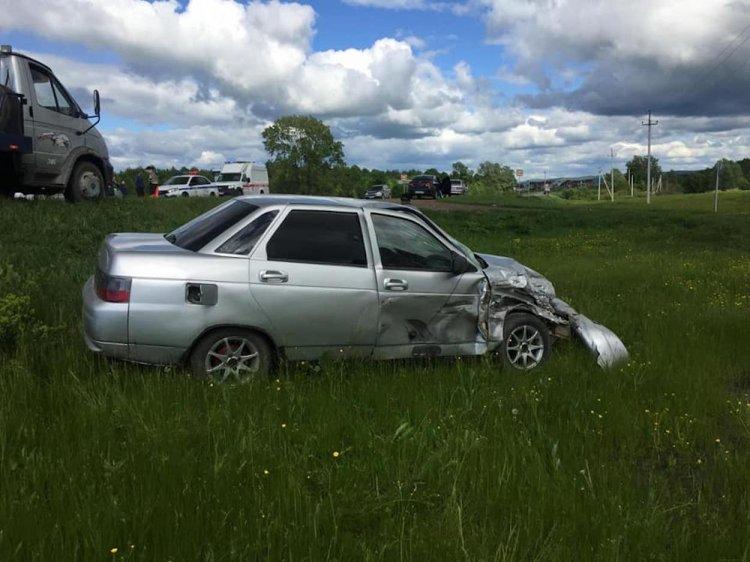 ДТП в Башкирии: ВАЗ-2110 столкнулся с попутной «Нивой»