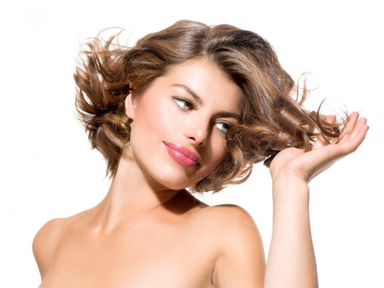 Доктор Мясников назвал причину выпадения волос