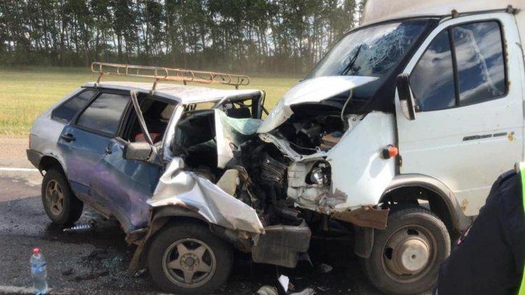 Три человека погибли в страшном ДТП на трассе в Башкирии