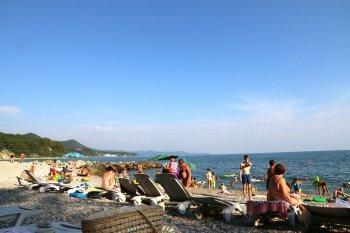 Стали известны сроки открытия пляжей Крыма и Кубани