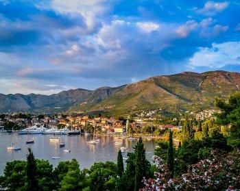 Черногория открыла границы для России и Азербайджана