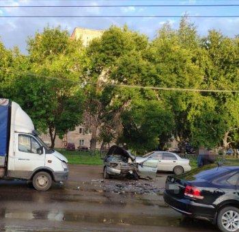 В Стерлитамаке пьяный автомобилист без прав устроил массовое ДТП