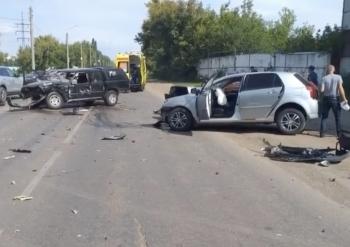 В Стерлитамаке столкнулись Great Wall и Toyota Corolla, есть пострадавшие