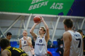 Баскетболисты «Уфимца» побеждают «Восток-65» во втором матче домашнего тура