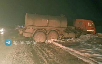 ГИБДД: В Башкирии возле села Мирный в ДТП с автоцистерной погибла 11-летняя девочка