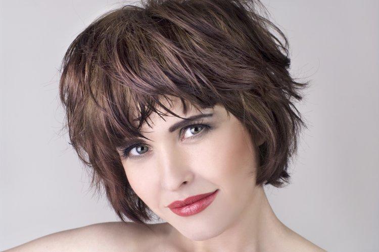 Боб-каскад на короткие волосы 2021 — модная стрижка, которая подходит разным формам лица